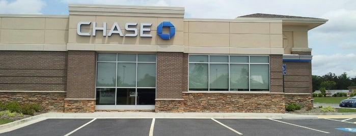 Chase Bank is one of Locais curtidos por PrimeTime.