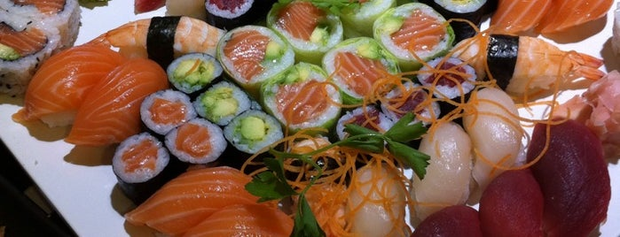Sushi Chef Castelldefels is one of Restaurantes.