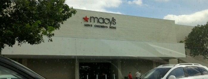 Macy's is one of Locais curtidos por Daniela.