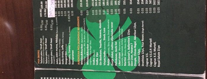 Irish pub is one of Mehmet 님이 좋아한 장소.