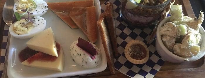 Bröder Cafe is one of Ritika : понравившиеся места.