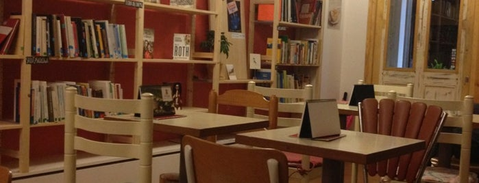Babèlia Books & Coffee is one of Barcelona Coffee With Wifi.