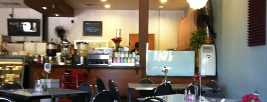 Milano Cafe is one of Lieux sauvegardés par Shawn.