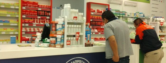 Farmacia San Pablo is one of Posti che sono piaciuti a Bob.