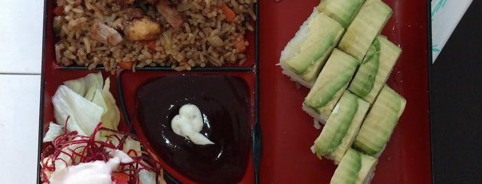 sushi makin japonés is one of Lugares favoritos de Bob.