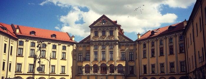 Несвижский замок is one of Tempat yang Disukai roma.