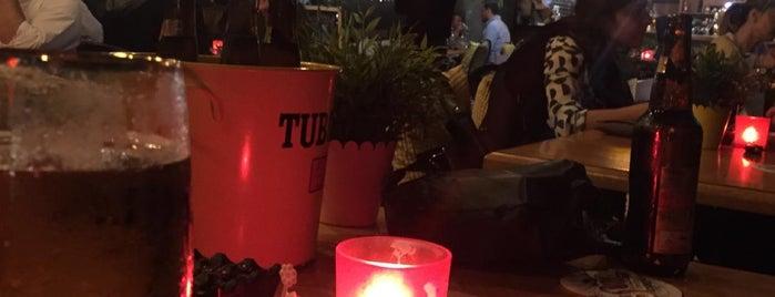 IVY Lounge & Bistro is one of Lugares guardados de salih.