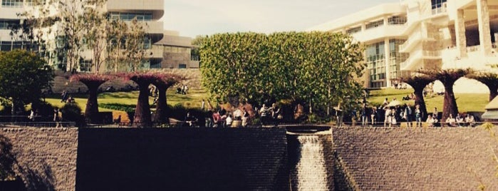 J. Paul Getty Museum is one of Hillaryさんのお気に入りスポット.