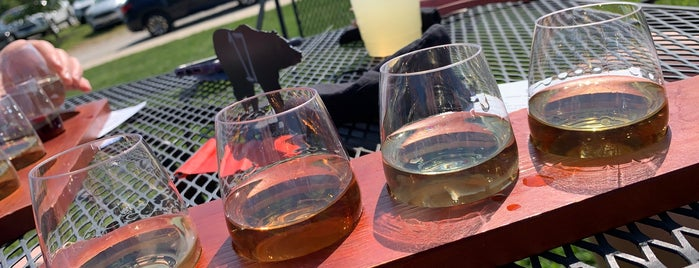 Springfield Manor Winery & Distillery is one of Rock Star.