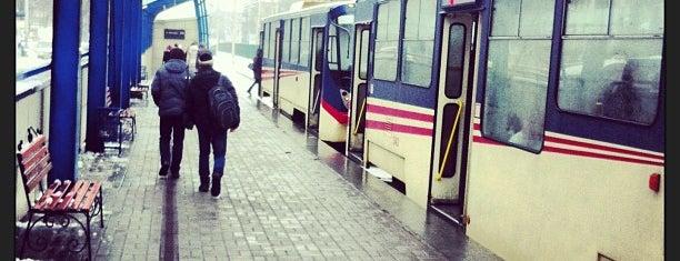 Станція швидкісного трамваю «Національний авіаційний університет» is one of สถานที่ที่ Оля ถูกใจ.