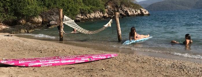 Çınar Beach Club is one of Lugares favoritos de Sibel.