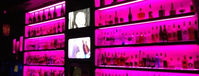 M1 Lounge Bar & Club is one of Nejlepší studentské party venues.