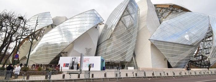 Librairie de la Fondation Louis Vuitton is one of Lieux qui ont plu à Damla.