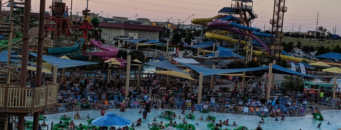 Typhoon Texas Austin is one of Posti che sono piaciuti a Ailie.