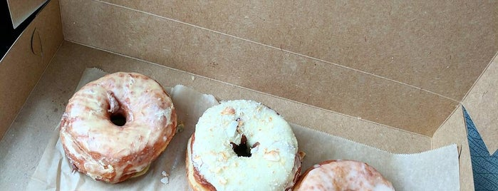 Nomad Donuts is one of Orte, die Jamie gefallen.
