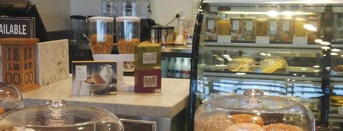 Marks & Spencer Café is one of Locais curtidos por Els.