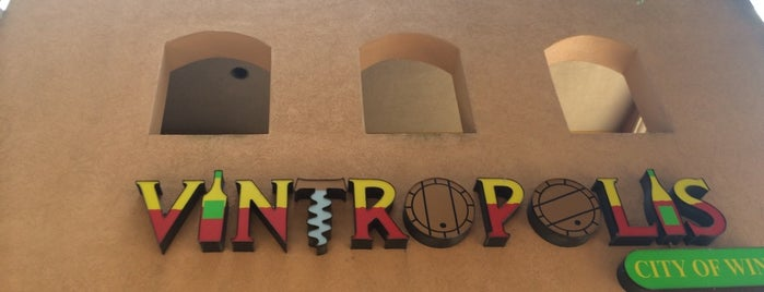 Vintropolis Wine Bar is one of Lugares favoritos de Marcus.