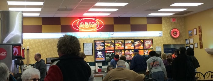 A&W All American Food is one of Lugares guardados de Lizzie.