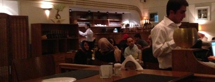 Mangiamo Restaurant | رستوران ایتالیایی مانژیامو is one of Locais salvos de Nora.