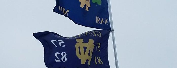 Notre Dame Tailgate is one of Tempat yang Disukai Leslie.