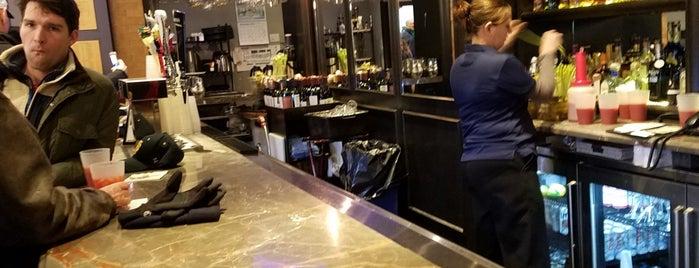 Rohr's at Morris Inn is one of Locais curtidos por Sam.
