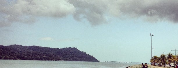 Queensbay Seaside is one of Attraction Places to Visit.