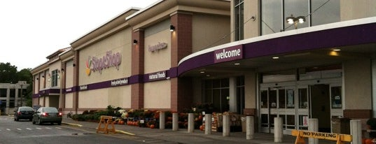 Super Stop & Shop is one of Stores.