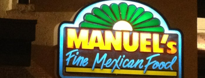 Manuel's Mexican Food is one of Lieux qui ont plu à Chuck.