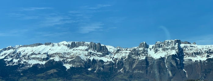 Liechtenstein is one of Лихтенштейн.