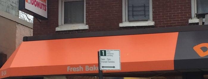 Dunkin' is one of สถานที่ที่ Mei ถูกใจ.