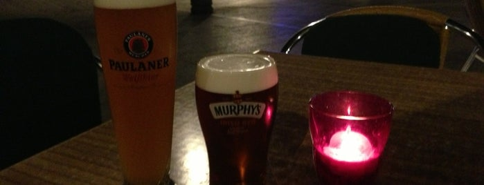 Taverna Irlandesa McKiernans is one of Pub / Cocteleria.