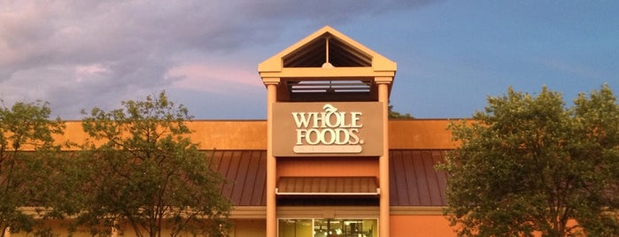 Whole Foods Market is one of Tempat yang Disukai Ethan.
