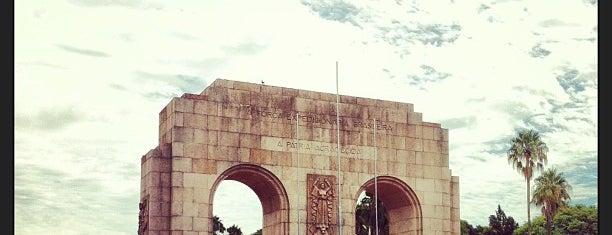 Brique da Redenção is one of Pontos turísticos.