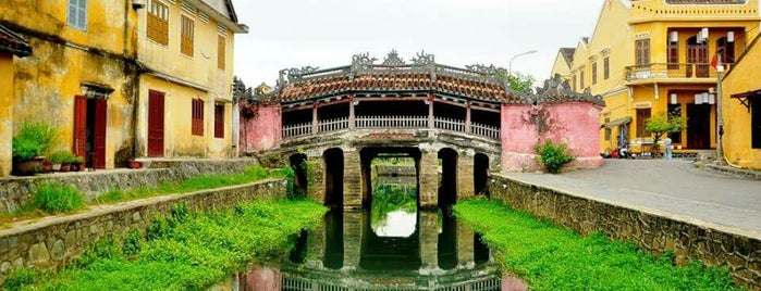 Chùa Cầu (Japanese Covered Bridge) is one of Lugares guardados de ぜろ.