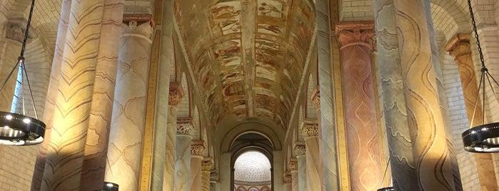 Abbaye de Saint-Savin-sur-Gartempe is one of Tempat yang Disukai Torzin S.