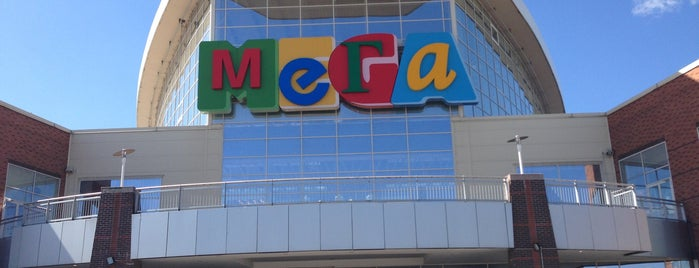 MEGA Mall is one of Lugares favoritos de Анастасия.