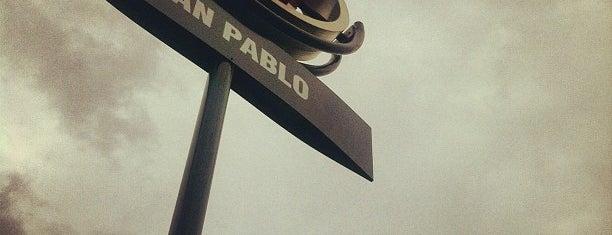 Metro San Pablo is one of Linea 1 Metro de Santiago.