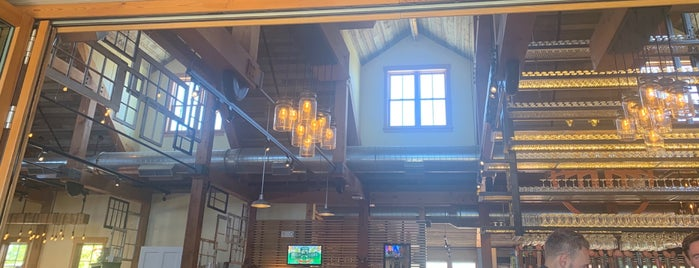 Breckenridge Brewery is one of Posti che sono piaciuti a Scott.