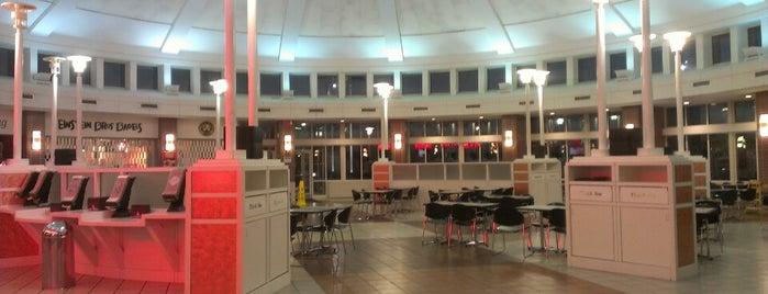 Erie Islands Service Plaza (Westbound) is one of Lauren's Travel List.
