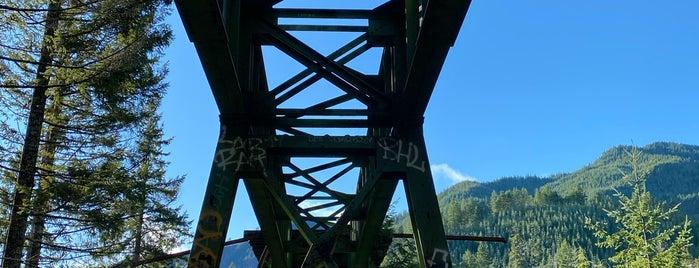 Vance Creek Bridge is one of Lugares guardados de Sophie.