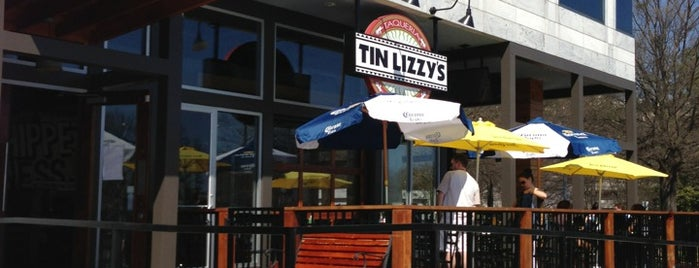 Tin Lizzy's Cantina is one of Locais curtidos por Douglas.