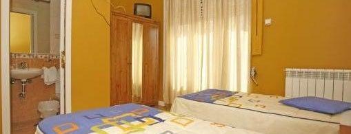 Hostal Alcazar Regis is one of Los mejores hoteles y hostales de Madrid.