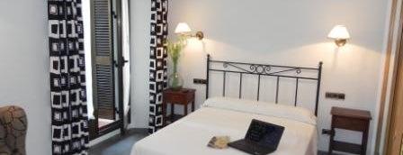 Hostal Ivor is one of Los mejores hoteles y hostales de Madrid.