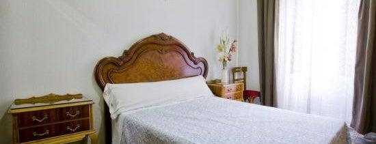Hostal Noviciado is one of Los mejores hoteles y hostales de Madrid.