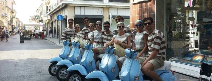 Via Fratti is one of Light Blue Summer.