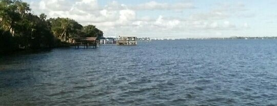 Valencia Dock is one of Orte, die Ken gefallen.