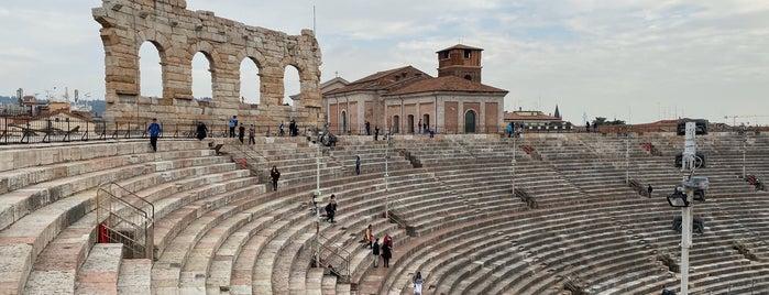 Arena di Verona is one of henry'in Beğendiği Mekanlar.