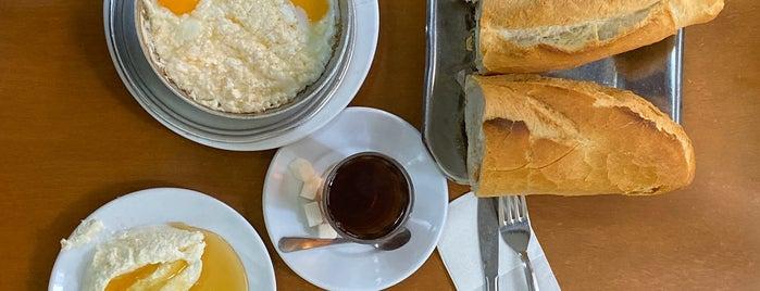 Lades Restaurant is one of henry'in Beğendiği Mekanlar.