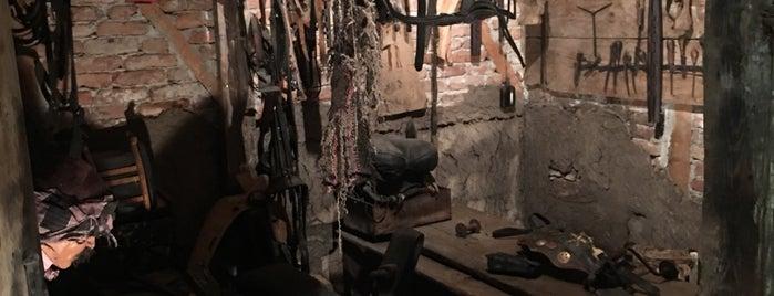 Tofaş Sanat Galerisi is one of hulya'nın Beğendiği Mekanlar.