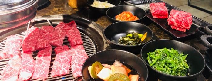 Samwon Garden BBQ is one of Lugares guardados de Anechka.